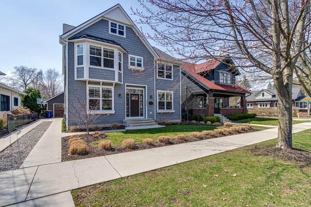 2230 Lake Drive SE, East Grand Rapids, MI 49506 (MLS #21107340) :: Fifth Floor Real Estate