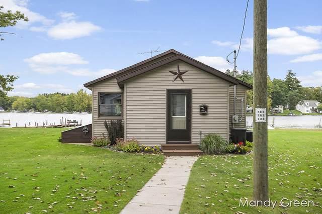 5772 Keeney Drive, Six Lakes, MI 48886 (MLS #21107418) :: Keller Williams Realty | Kalamazoo Market Center