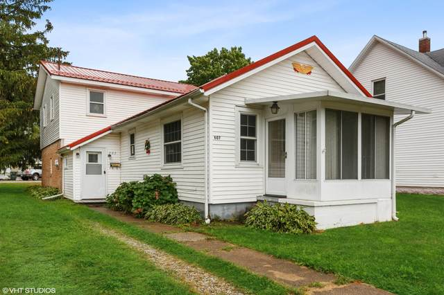 607 Magnolia Street, Three Oaks, MI 49128 (MLS #21107778) :: Sold by Stevo Team | @Home Realty
