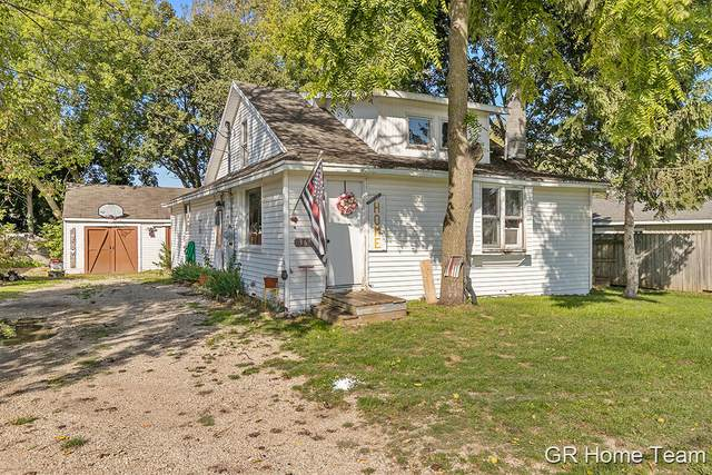 369 N State Street, Sparta, MI 49345 (MLS #21108091) :: Sold by Stevo Team | @Home Realty