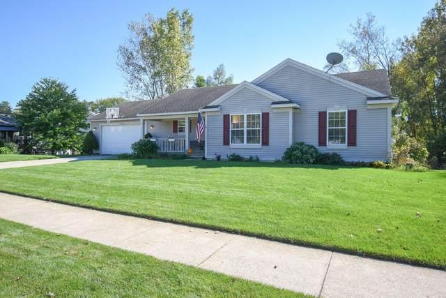 6957 Lake Bluff Drive NE, Comstock Park, MI 49321 (MLS #21108316) :: Keller Williams Realty | Kalamazoo Market Center