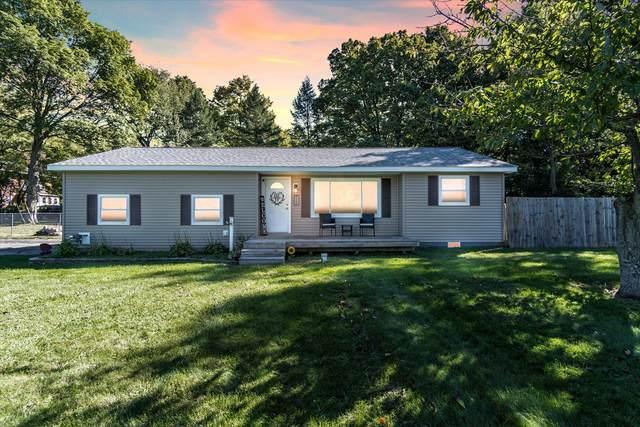 325 N Portage Road, Jackson, MI 49201 (MLS #21108414) :: Sold by Stevo Team | @Home Realty