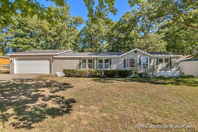 2712 W Long Lake Road, Orleans, MI 48865 (MLS #21108582) :: JH Realty Partners