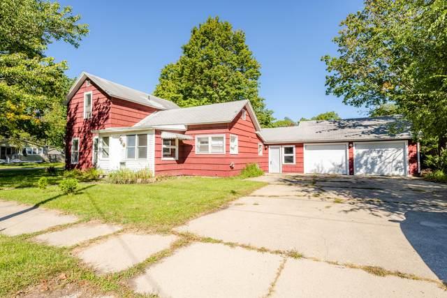 301 E Wayne Street, Dowagiac, MI 49047 (MLS #21108787) :: Sold by Stevo Team | @Home Realty