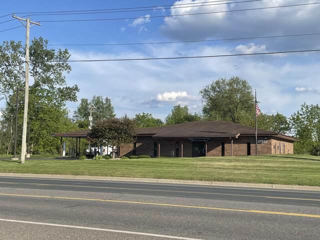 37678 W Red Arrow Highway, Paw Paw, MI 49079 (MLS #21109130) :: The Hatfield Group