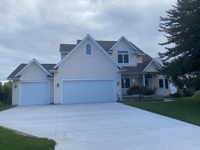 1282 Valley View Court NW, Grand Rapids, MI 49544 (MLS #21109431) :: Sold by Stevo Team | @Home Realty
