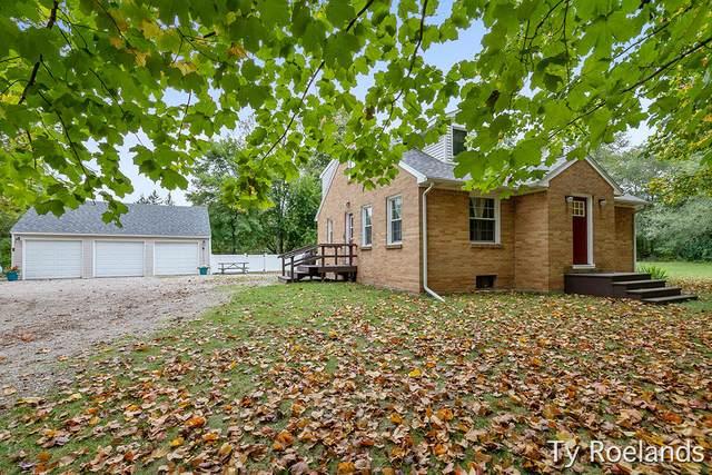 9239 Vergennes Street SE, Ada, MI 49301 (MLS #21109713) :: Sold by Stevo Team | @Home Realty