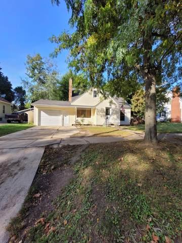 121 E Pine Street, Fremont, MI 49412 (MLS #21109839) :: Sold by Stevo Team | @Home Realty