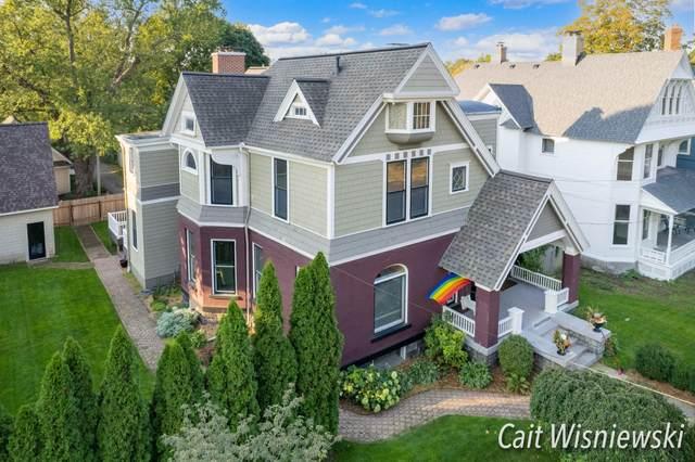 546 Wealthy Street SE, Grand Rapids, MI 49503 (MLS #21110410) :: JH Realty Partners