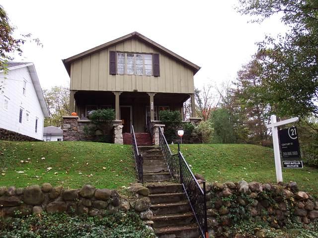 443 N 24th Street N, Springfield, MI 49037 (MLS #21110508) :: Sold by Stevo Team | @Home Realty