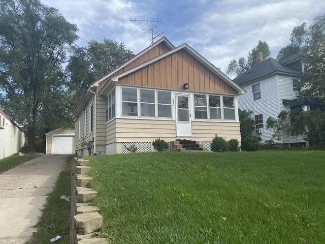 2444 Alpine Avenue NW, Walker, MI 49544 (MLS #21110531) :: Sold by Stevo Team | @Home Realty
