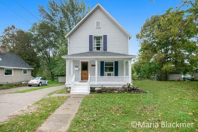 705 E Main Street, Ionia, MI 48846 (MLS #21110582) :: Sold by Stevo Team   @Home Realty