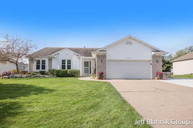 1035 Sunset Hills Court, Walker, MI 49534 (MLS #21110701) :: Sold by Stevo Team | @Home Realty