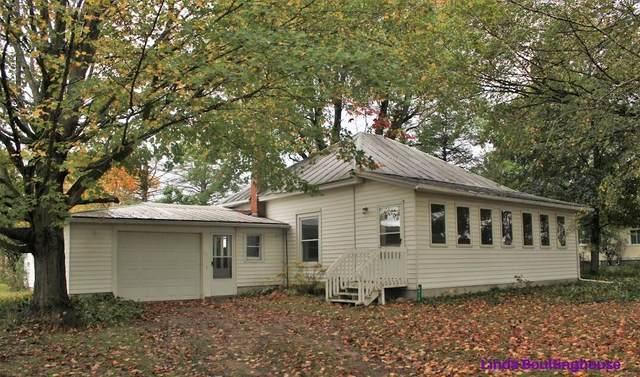 4416 S Lake Road, Greenville, MI 48838 (MLS #21110720) :: Sold by Stevo Team   @Home Realty