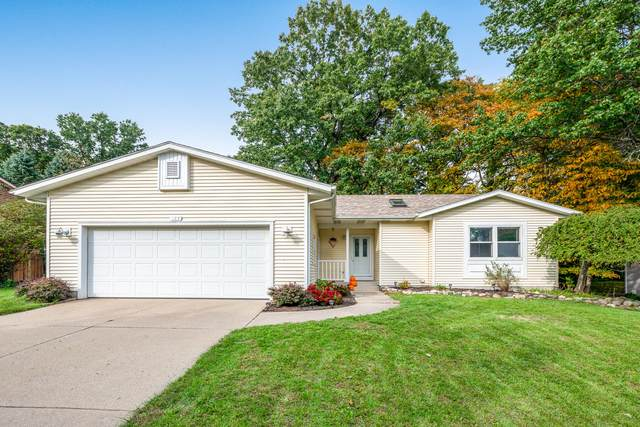 187 Glen Eagle Drive NE, Rockford, MI 49341 (MLS #21110744) :: Sold by Stevo Team   @Home Realty