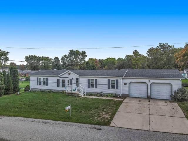 9834 S Clearwater Street, Grant, MI 49327 (MLS #21110760) :: Sold by Stevo Team   @Home Realty