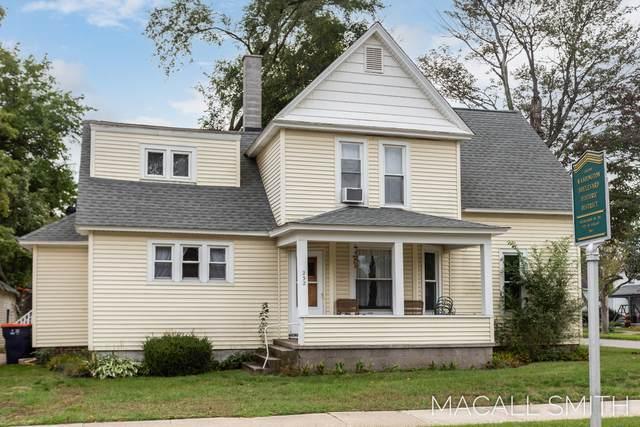 232 W 13th Street, Holland, MI 49423 (MLS #21110810) :: Sold by Stevo Team | @Home Realty