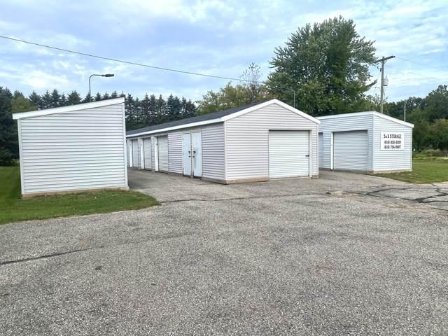 1530 S Greenville Road, Greenville, MI 48838 (MLS #21110820) :: Sold by Stevo Team   @Home Realty