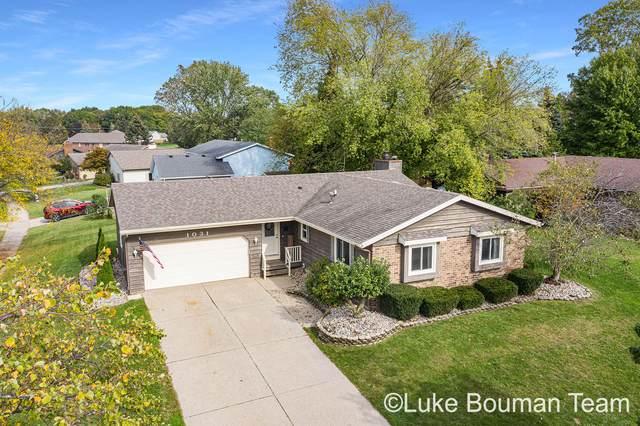 1031 E 10th Street, Holland, MI 49423 (MLS #21110888) :: Sold by Stevo Team | @Home Realty