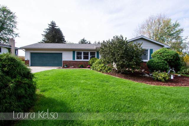 5661 Bristol Avenue NW, Comstock Park, MI 49321 (MLS #21110924) :: Sold by Stevo Team   @Home Realty