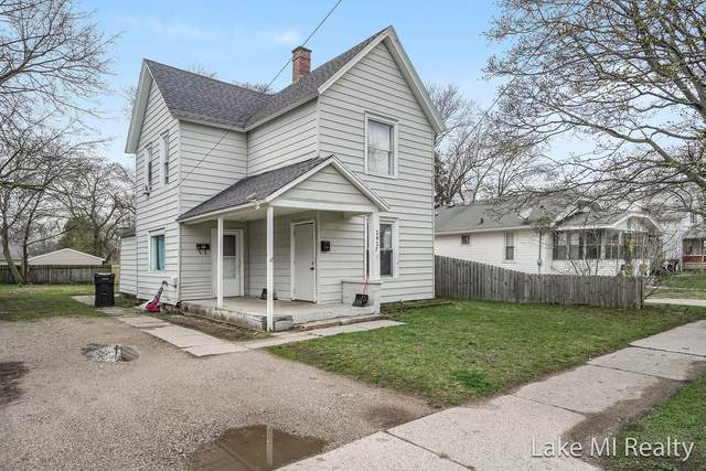 2427 Woodward Avenue SW, Wyoming, MI 49509 (MLS #21111010) :: Sold by Stevo Team   @Home Realty