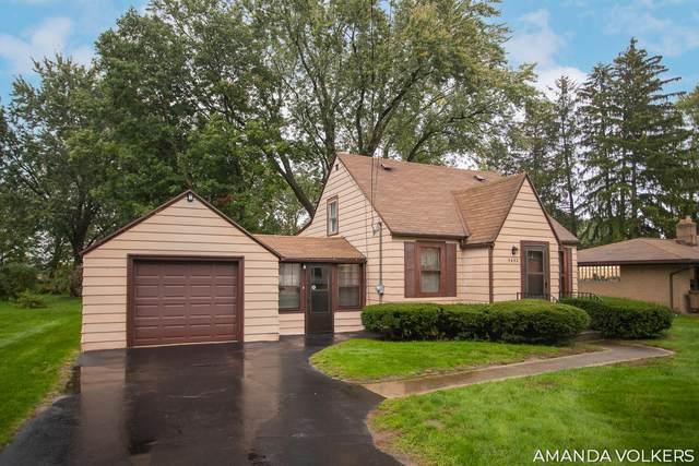5432 Grand River Drive NE, Grand Rapids, MI 49525 (MLS #21111077) :: Sold by Stevo Team   @Home Realty