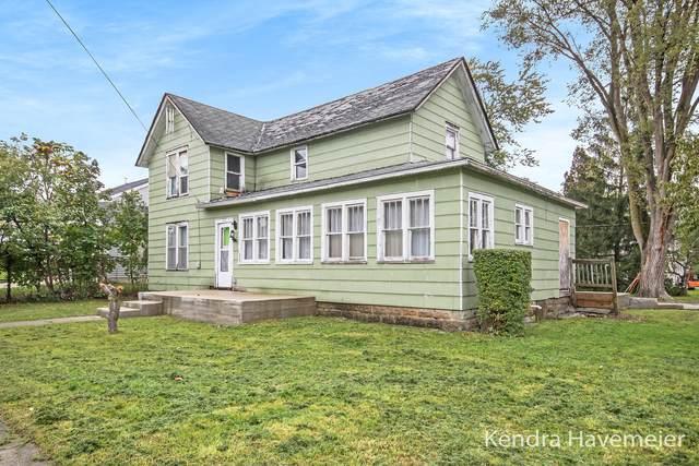 217 Grove Street, Sparta, MI 49345 (MLS #21111081) :: Sold by Stevo Team | @Home Realty