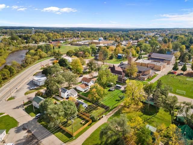 1025 Marion Avenue, Big Rapids, MI 49307 (MLS #21111095) :: Sold by Stevo Team | @Home Realty