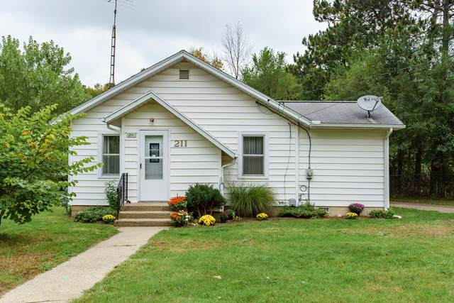 211 Theodore Street, Battle Creek, MI 49014 (MLS #21111136) :: The Hatfield Group