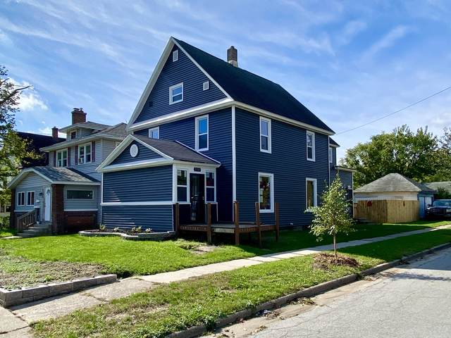 2101 Palace Avenue SW, Grand Rapids, MI 49507 (MLS #21111193) :: Sold by Stevo Team | @Home Realty