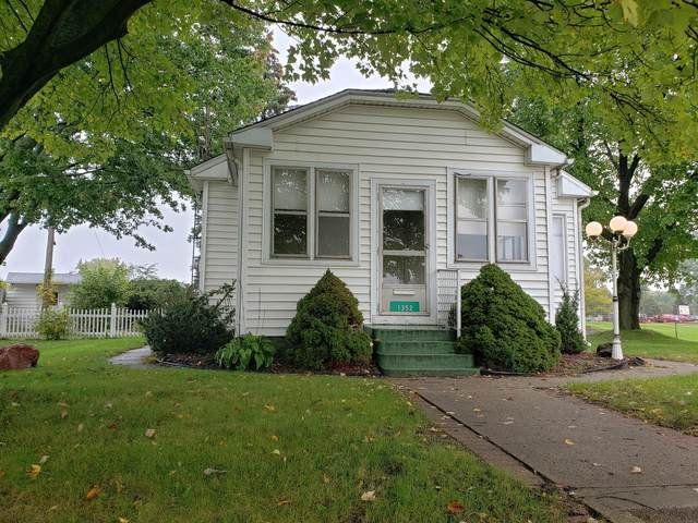 1352 Page Avenue, Jackson, MI 49203 (MLS #21111219) :: Sold by Stevo Team   @Home Realty