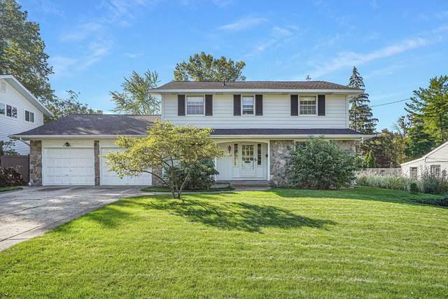 2600 Hampshire Boulevard SE, East Grand Rapids, MI 49506 (MLS #21111361) :: Fifth Floor Real Estate