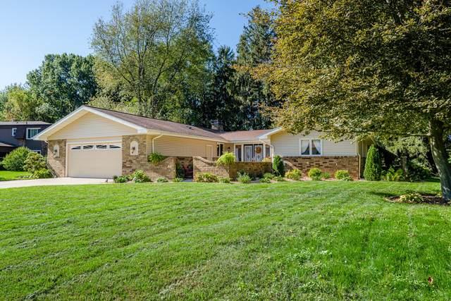 4558 Hedgewood Drive, Stevensville, MI 49127 (MLS #21111433) :: JH Realty Partners