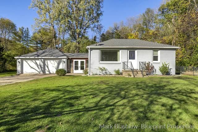 2679 Grand River Drive NE, Grand Rapids, MI 49525 (MLS #21111452) :: JH Realty Partners