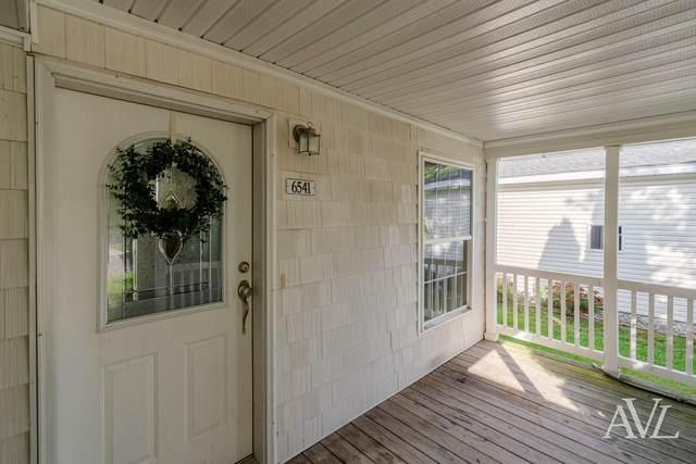6541 Moss Lake Drive, Hudsonville, MI 49426 (MLS #21111564) :: Keller Williams Realty | Kalamazoo Market Center