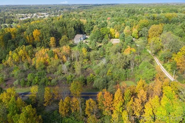 4993 12 Mile Road NE, Rockford, MI 49341 (MLS #21111637) :: Fifth Floor Real Estate