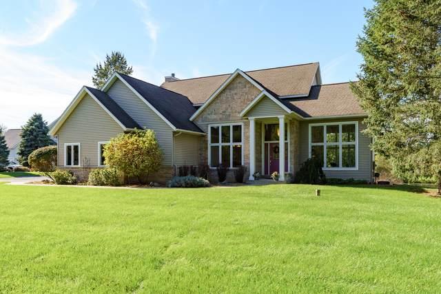 9303 W Gull Lake Drive, Richland, MI 49083 (MLS #21111666) :: The Hatfield Group