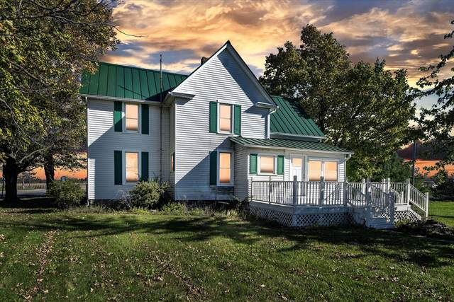 3005 W Price Road, St. Johns, MI 48879 (MLS #21111714) :: BlueWest Properties