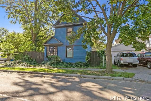 717 Mcreynolds Avenue NW, Grand Rapids, MI 49504 (MLS #21111723) :: JH Realty Partners