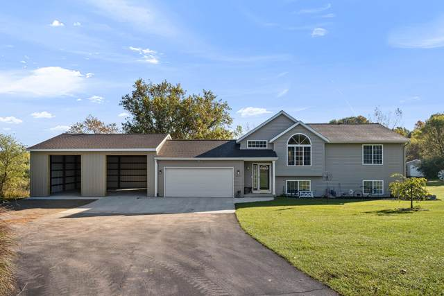 7000 Cedar Highlands Drive, Cedar Springs, MI 49319 (MLS #21111728) :: JH Realty Partners