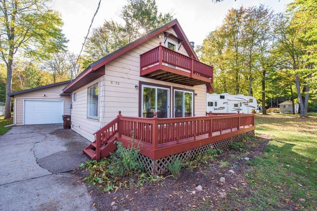 9570 E Colby Road, Crystal, MI 48818 (MLS #21111731) :: The Hatfield Group