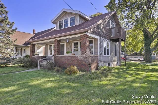 3918 30th Street SW, Grandville, MI 49418 (MLS #21111766) :: Deb Stevenson Group - Greenridge Realty