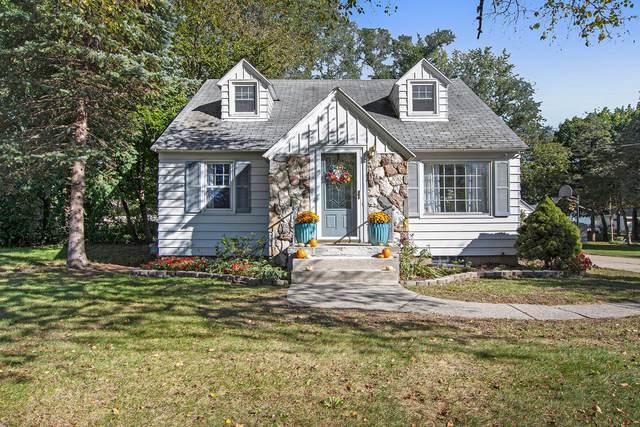 3906 Miramar Avenue NE, Grand Rapids, MI 49525 (MLS #21111768) :: Sold by Stevo Team | @Home Realty