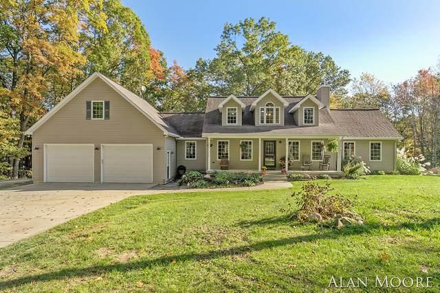6102 Pickerel Drive NE, Rockford, MI 49341 (MLS #21111819) :: Fifth Floor Real Estate