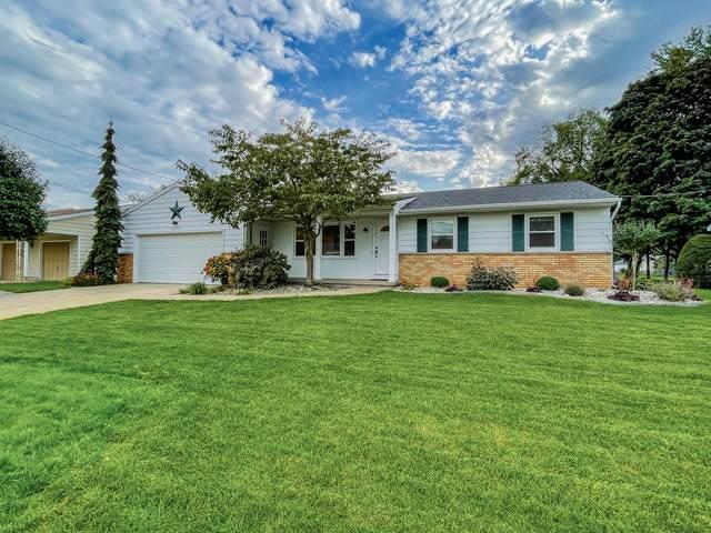 4272 Blackfoot Drive SW, Grandville, MI 49418 (MLS #21111825) :: Deb Stevenson Group - Greenridge Realty
