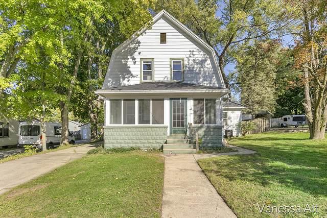 233 E Division Street NE, Rockford, MI 49341 (MLS #21111826) :: Fifth Floor Real Estate