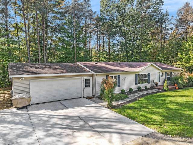 2838 Crescent Dr, Fennville, MI 49408 (MLS #21111895) :: Sold by Stevo Team   @Home Realty