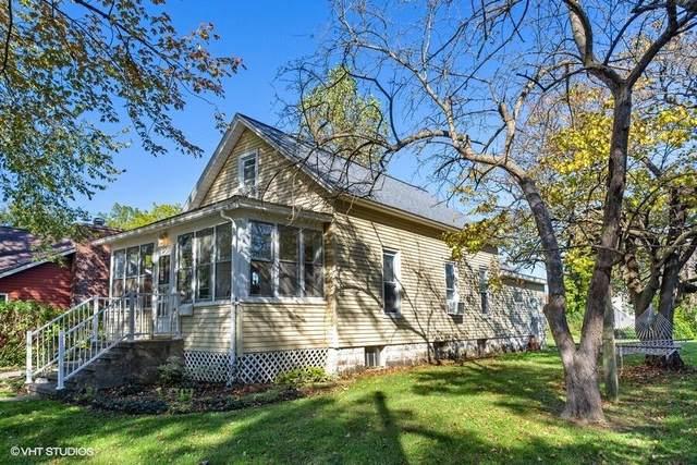 203 E Sycamore Street, Three Oaks, MI 49128 (MLS #21111929) :: Sold by Stevo Team | @Home Realty