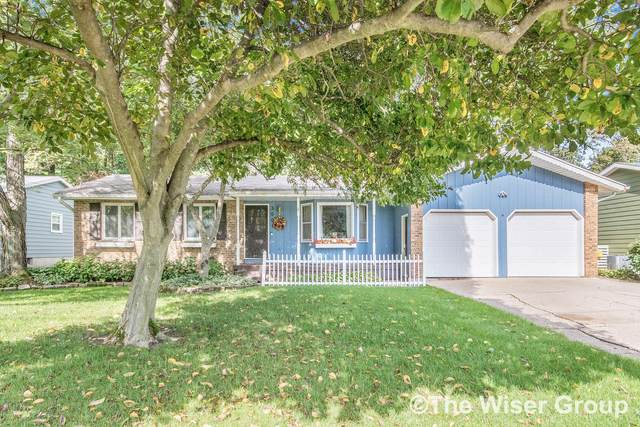 3001 Pinedale Drive SW, Grandville, MI 49418 (MLS #21111946) :: Deb Stevenson Group - Greenridge Realty