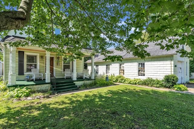 5613 Oak Street, Onondaga, MI 49264 (MLS #21111958) :: The Hatfield Group